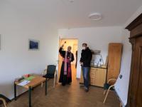 21_03_14 ME-Haus Einweihung 01 [Segnung Bischof Jung und GF Weber]
